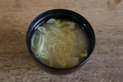 大根と里芋と白ねぎの味噌汁